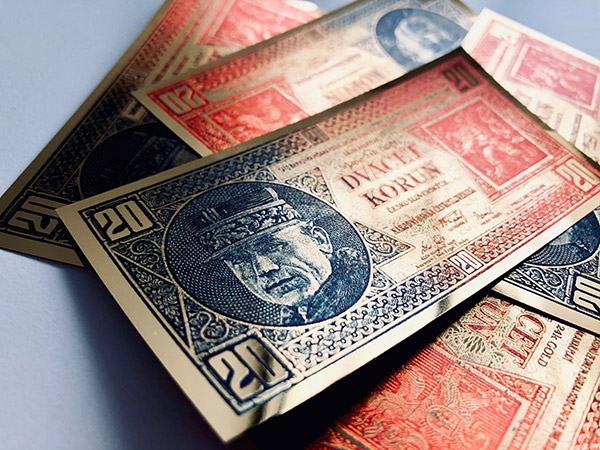 Replika bankovky s M. R. Štefánikom